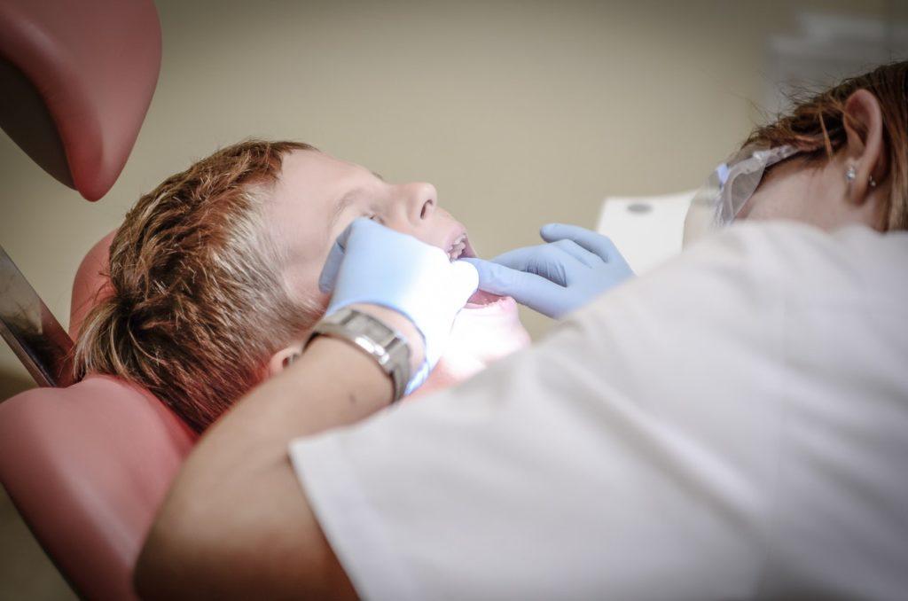 Personalvermittlung von Zahnmedizinischen Fachangestellten und Zahnärzten.
