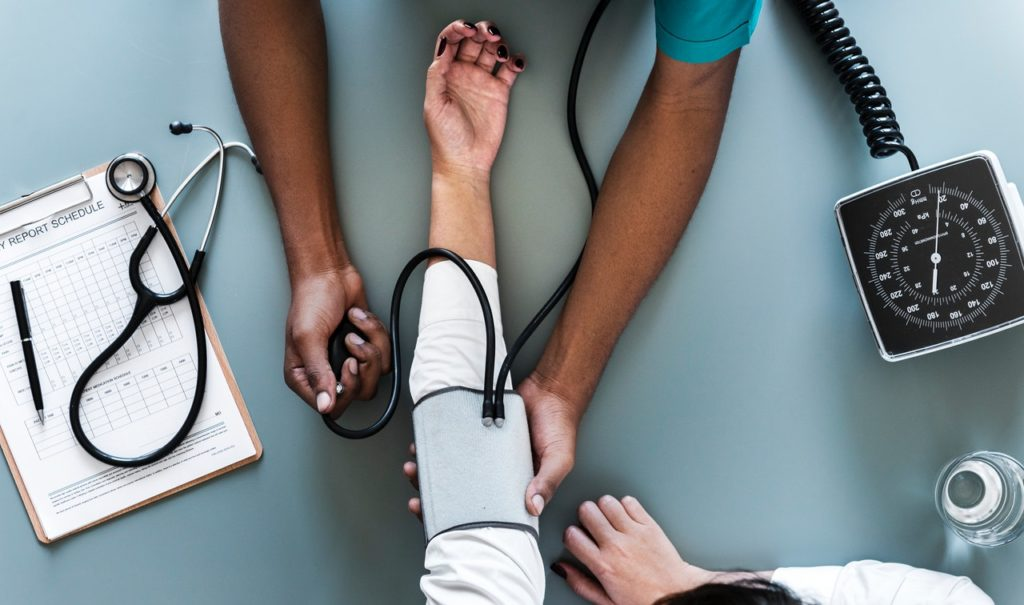 Gesundheitspfleger Krankenpfleger Pflegehelfer